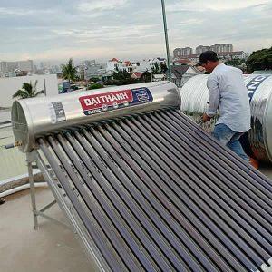 Máy nước nóng năng lượng mặt trời 215l tân á Đại Thành