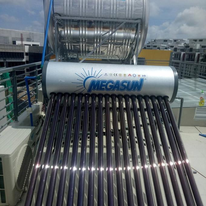 máy nước nóng năng lượng mặt trời Megasun 180l KAE